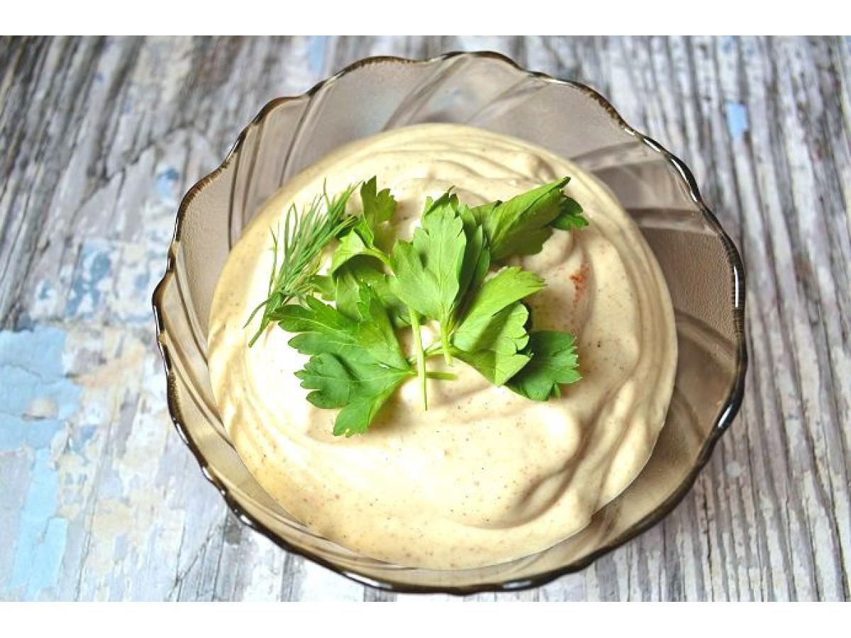 Вегетарианский майонез без яиц. Отличный соус к блюдам на мангале.